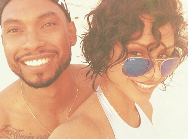 Miguel and Nazanin Nandi on the beach