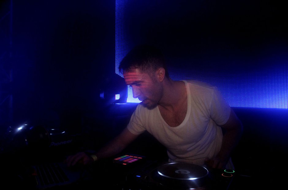 Eddie Halliwell Djs at the Victoria Warehouse