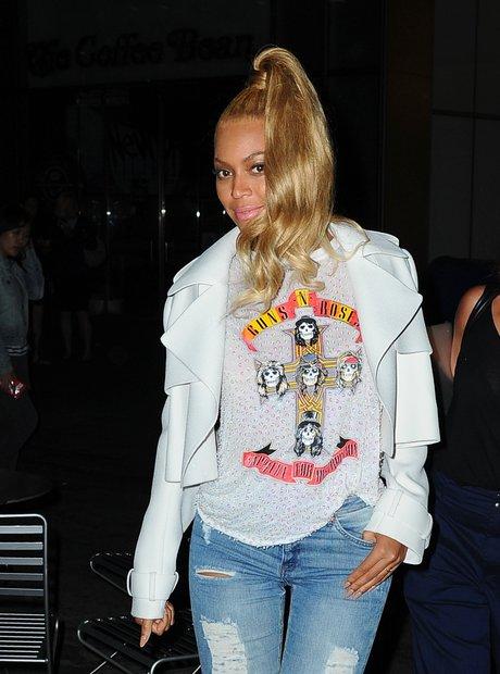 Beyonce wearing a guns a roses t shirt