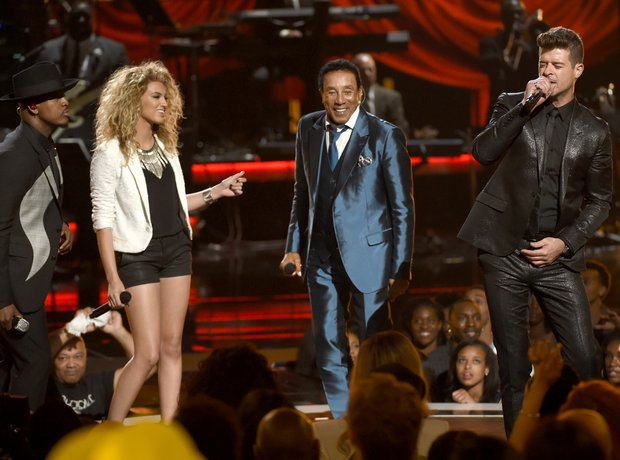 Ne-Yo, from left, Tori Kelly, Smokey Robinson and
