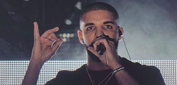 Drake Performing wearing black t shirt